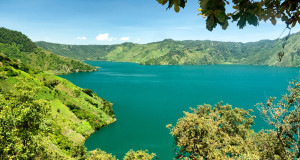 Centro de Turismo - El País de los Jóvenes - Laguna de Ayarza
