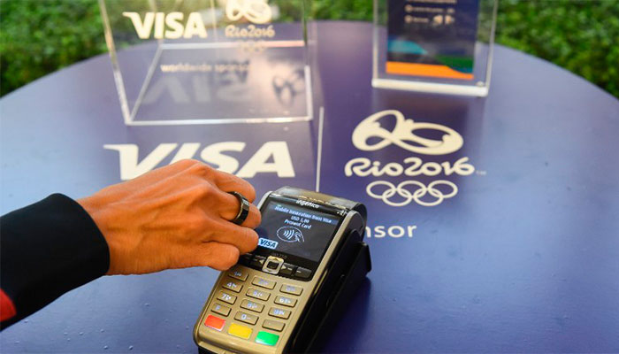 Atletas olímpicos pagan sus compras en Río con un nuevo gadget de Visa