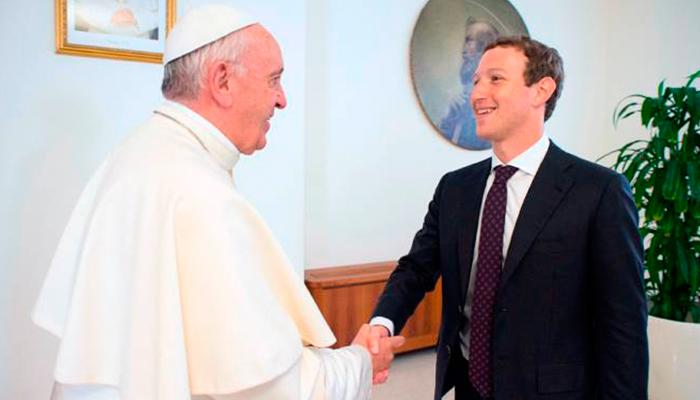 Papa Francisco recibe en el Vaticano a Mark Zuckerberg