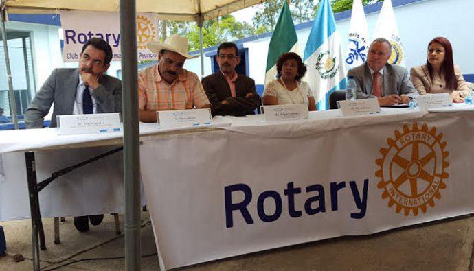 Fundación Rotaria y Clubes Rotarios dona equipo de rayos X en Palencia