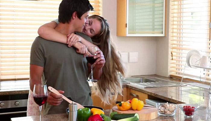 5 razones para cocinar en pareja y mejorar tu relación