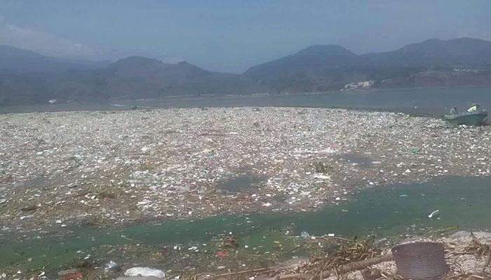 AMSA busca darle uso a las toneladas de basura que llegan al Lago de Amatitlán