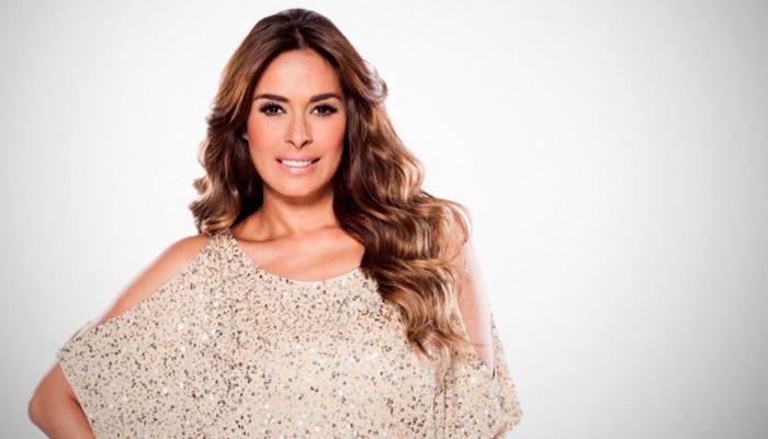 """Video: Galilea Montijo sufre aparatosa caída en el programa """"Hoy"""""""