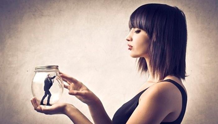 6 formas de manipulación que las mujeres utilizan