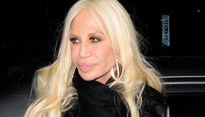 Pen lope cruz interpretar a donatella versace en serie de for Donatella versace beach