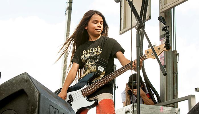 Korn irá de gira a Sudamérica con un bajista de 12 años