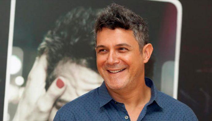 """Alejandro Sanz reúne varios artistas en nuevo videoclip """"¿Si fuera ella?"""""""