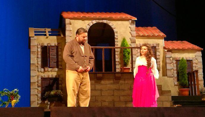 Detalles de la ópera L'Elisir D'Amore en Guatemala, mayo 2017