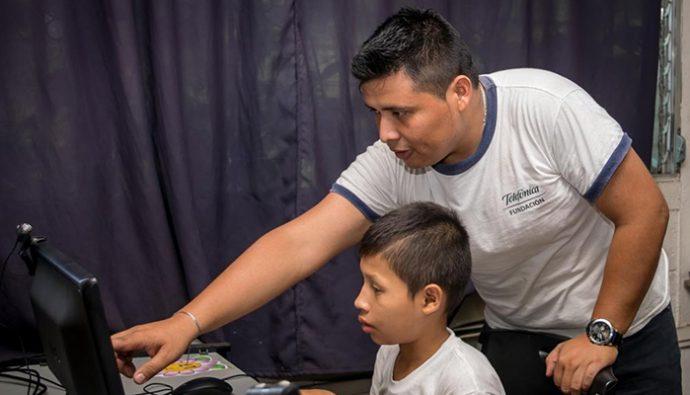 Fundación Telefónica incentiva el uso de tecnología en las aulas
