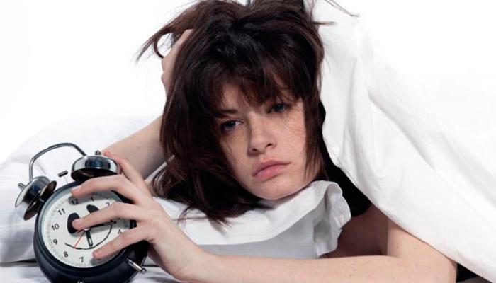 ¿Cómo conciliar el sueño en menos de un minuto con el ejercicio 4-7-8?