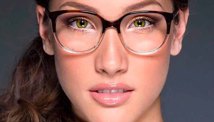 6 trucos de maquillaje para las chicas que utilizan lentes