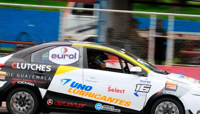 Espectacular sábado en la pista del Autódromo Pedro Cofiño