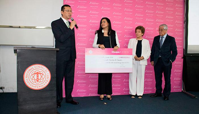 Donativo Avon permitirá remodelación de Clínica de Mamografía