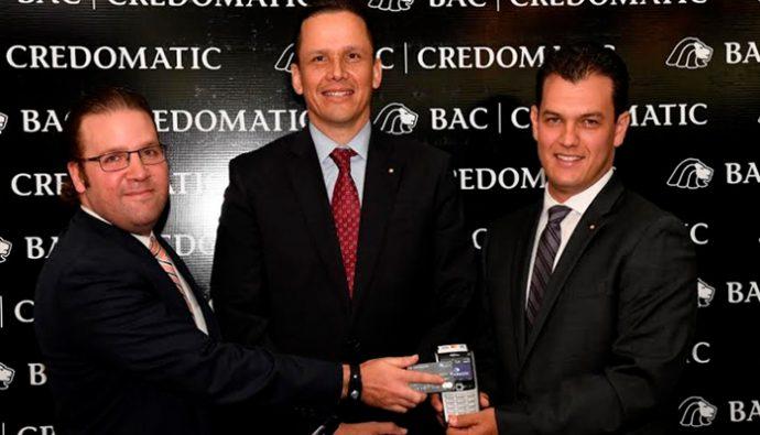 """BAC Credomatic es pionera en tecnología """"Contactless"""" en Guatemala"""