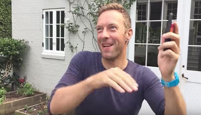 Video: Vocalista de Coldplay se graba mientras baila una canción de Shakira