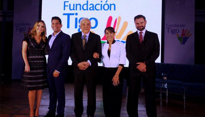Fundación Tigo celebró la entrega de 300 escuelas al Mineduc y anuncia alianza con Fundación Cala.