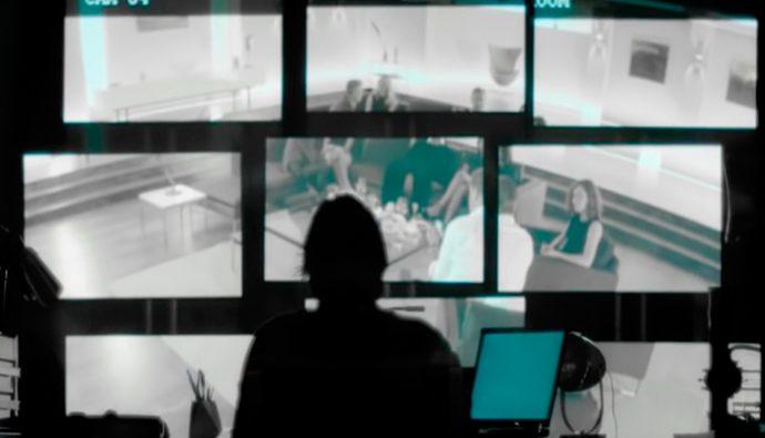 """Llega a los cines """"El Intruso"""" película protagonizada por Pierce Brosnan"""