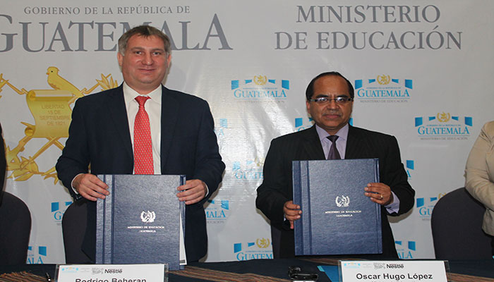 Nestlé y MINEDUC firman acuerdo en apoyo a los niños
