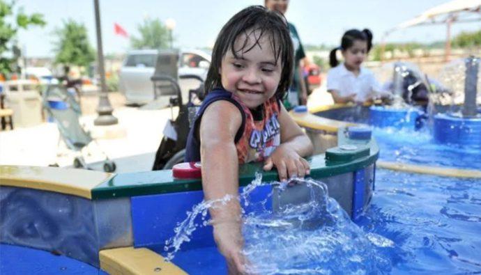 Abren primer parque acuático para niños con necesidades especiales