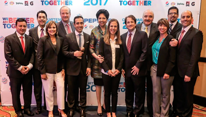 CEO de PepsiCo visita Guatemala para celebrar 75 años de colaboración con cbc