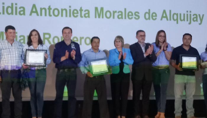 """Walmart premió a sus proveedores descatados en la """"Feria Agropecuaria"""""""