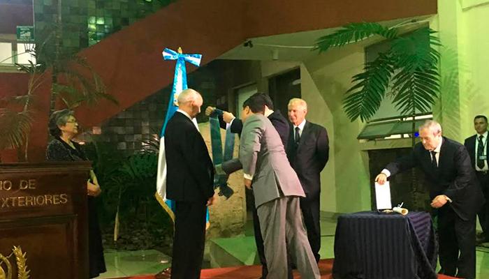 Guatemala reconoce a invento con gran impacto en la humanidad