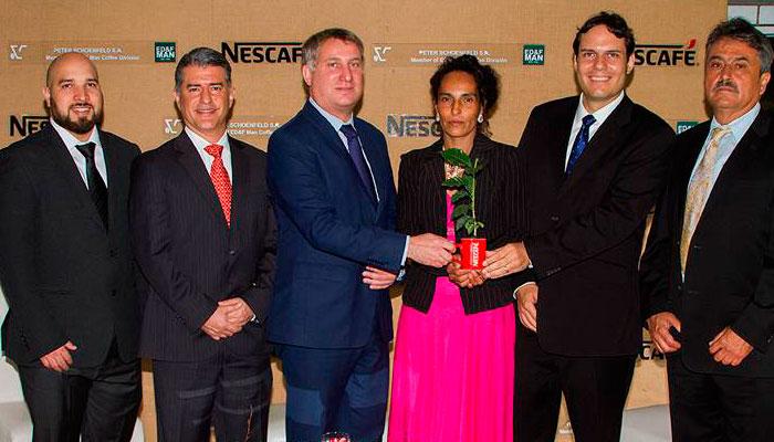 Plan Nescafé entrega 800 mil Plantas Resistentes a la Roya