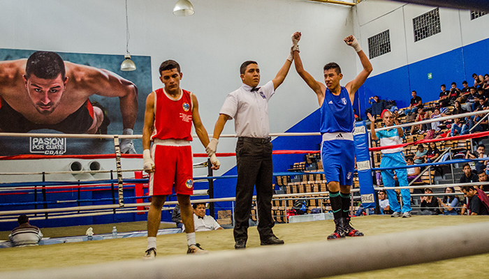 El guatemalteco Carlos Tello campeón de boxeo
