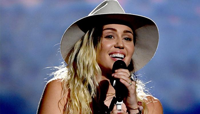 """Miley Cyrus lanza sencillo y video titulado """"Younger now"""""""
