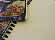 Pollo Campero integra menús en sistema braille en todos sus restaurantes