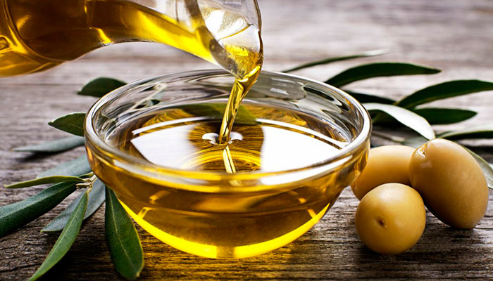 Conoce los beneficios del aceite de oliva como desmaquillante