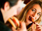 ¿Cuál es la mejor opción para comer en tu primera cita?