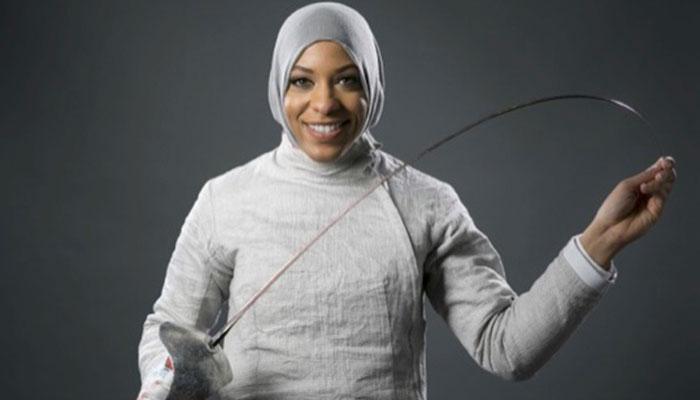 Lanzan Barbie inspirada en la esgrimista olímpica Ibtihaj Muhammad