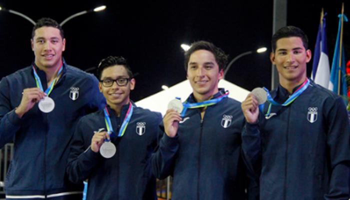 Atletas de natación tienen triunfo dorado en Juegos Centroamericanos