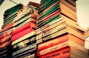 Asiste a la II Feria Navideña del Libro en el Paseo de la Sexta