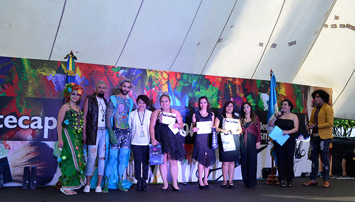 Alumnos de INTECAP demuestran excelentes habilidades en Pasarela de Belleza