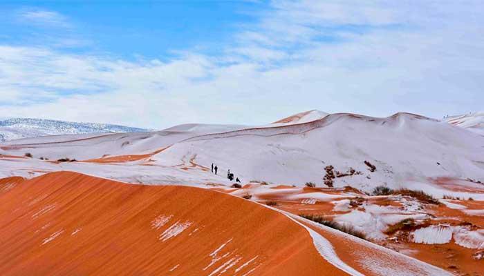Fotógrafo logra capturar increíbles imágenes del desierto Sahara cubierto de nieve