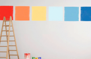 ¿Cómo influye el estado del tiempo en la aplicación de una pintura exterior?