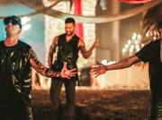 """Ricky Martin estrena su sencillo """"Fiebre"""" en compañía de Wisin y Yandel"""