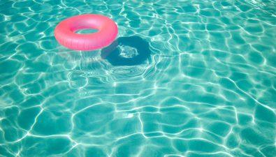 ¡Pasa tu verano dentro de la piscina!