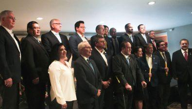 Candidatos firman Declaración para proteger la vida y la familia
