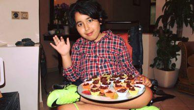 Conoce a Omar, el chef de 13 años que se convirtió en una estrella en las redes sociales