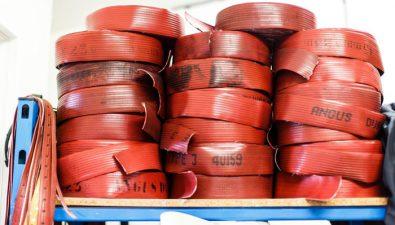 La forma más fashion de reciclar mangueras contra incendios