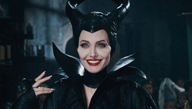 Mira a Angelina Jolie transformarse en Maléfica