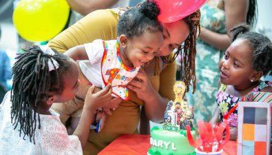 Esta organización les hace fiestas de cumpleaños a niños sin hogar