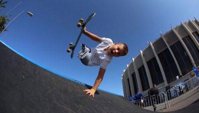 Este niño skater sin piernas es tan bueno que captó la atención de Tony Hawk