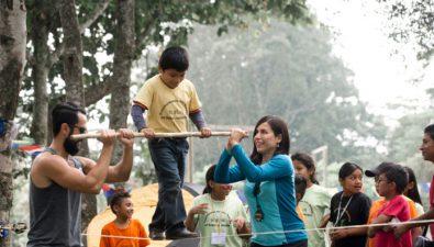 Contribuye a la educación de más de 500 niños de Alotenango asistiendo al Outdoor Family Fest Guatemala