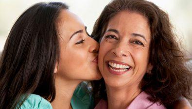 Pollo Brujo celebra a las mamás con un webinar dedicado a ellas